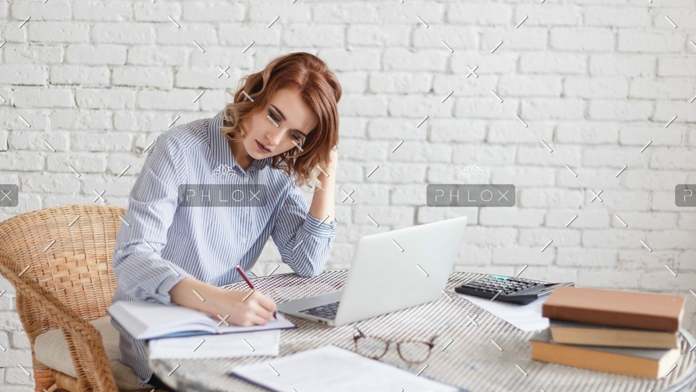 demo-attachment-1157-woman-freelancer-female-hands-with-pen-writing-on-P369BAX1